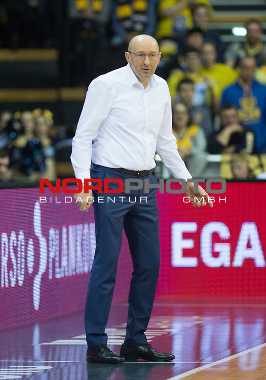 11.02.2020, EWE Arena, Oldenburg, GER, easy Credit-BBL, EWE Baskets Oldenburg vs Fraport Skyliners Frankfurt, im Bild<br /> Mladen DRIJENCIC (EWE Baskets Oldenburg #Headcoach #Coach )<br /> Foto © nordphoto / Rojahn