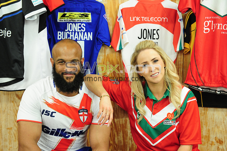 Picture by Simon Wilkinson/SWpix.com - 23/05/2017 - RFL Rugby League Charity Jersey Day - Lizzie Jones and Jamie Jones Buchanan - pictured with Rugby Jerseys in the dressing room at Headingley