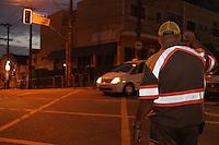 SAO PAULO, SP, 23/05/2013,  Defeito semaforos. O cruzamento da Av Paes de Barros com a Rua da Mooca esta sem semaforo na manha dessa quinta-feira(23). Em toda cidade sao 45 semaforos com problemas. LUIZ GUARNIERI/BRAZIL PHOTO PRESS.