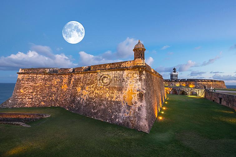 INNER DRY MOAT BATTLEMENTS CASTILLO SAN FELIPE DEL MORRO OLD CITY SAN JUAN PUERTO RICO