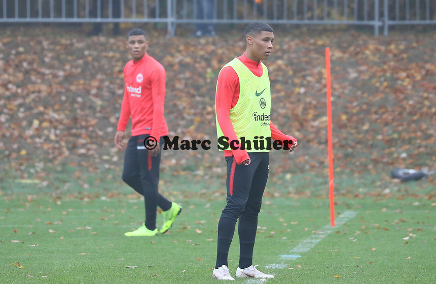 U19 Talente und Zwillingsbrüder Patrice und Justin Kabuya - 14.11.2018: Eintracht Frankfurt Training, Commerzbank Arena, DISCLAIMER: DFL regulations prohibit any use of photographs as image sequences and/or quasi-video.