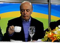 SÃO PAULO,SP,30 JULHO 2012 - JOSÉ SERRA ELEIÇÕES<br /> O candidato do PSDB à Prefeitura de São Paulo, José Serra,participou na tarde de hoje da reunião no Sindicato Patronal de Hotéis, Restaurantes, Bares e Similares,  Largo do Arouche, 290 - República.FOTO ALE VIANNA - BRAZIL PHOTO PRESS.