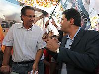 SAO PAULO, 08 DE AGOSTO DE 2012. CAMPANHA FERNANDO HADDAD. A caminhada do candidato a prefeitura Fernando Haddad pelas ruas do Bairro de Pirituba. FOTO: ADRIANA SPACA: BRAZIL PHOTO PRESS