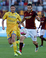 Calcio, Serie A: Frosinone vs Roma. Frosinone, stadio Comunale, 12 settembre 2015.<br /> Roma&rsquo;s Kostas Manolas, right, is challenged by Frosinone&rsquo;s Daniel Ciofani during the Italian Serie A football match between Frosinone and Roma at Frosinone Comunale stadium, 12 September 2015.<br /> UPDATE IMAGES PRESS/Riccardo De Luca