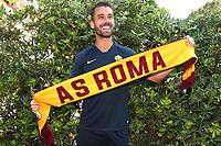 New AS Roma player Leonardo Spinazzola poses for photographers with an AS Roma scarf <br /> Roma 26-06-2019 Villa Stuart <br /> Photo Gino Mancini/Insidefoto
