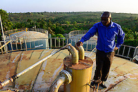 TANZANIA Tanga, Katani Ltd. Biogas Plant in Hale, the remaining fibres and pulp from sisal production is used for fermentation to produce biogas / TANSANIA Tanga, Katani Biogasanlage, aus den resten der Sisal Produktion wird Biogas gewonnen