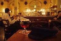 """Europe/Belgique/Région de Bruxelles-Capitale/Bruxelles : Café """"La Mort Subite"""""""