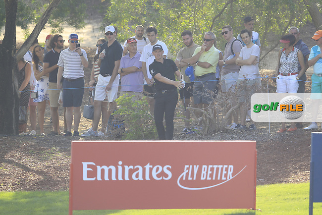 Matt Wallace (ENG) on the 15th green during the final round of the DP World Tour Championship, Jumeirah Golf Estates, Dubai, United Arab Emirates. 18/11/2018<br /> Picture: Golffile | Fran Caffrey<br /> <br /> <br /> All photo usage must carry mandatory copyright credit (&copy; Golffile | Fran Caffrey)