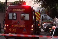 Campinas (SP), 30/04/2020 - Incendio-SP - Uma casa na Rua Sao Sebastiao pegou fogo no final da tarde desta quinta-feira (30), no bairro Jardim Nova Europa, em Campinas. O Corpo de Bombeiros atendeu a ocorrencia. Um idoso que morava no local sofreu alguns ferimentos e foi socorrido, nao se sabe a possivel causa do incendio. (Foto: Luciano Claudino/Codigo 19/Codigo 19)