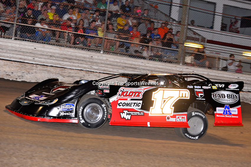 Feb 20, 2014; 6:59:05 PM;  Barberville, FL, USA;  World of Outlaws Late Model Series for 43rd Annual DIRTcar Nationals presented by Summit Racing Equipment at Volusia Speedway Park.  Mandatory Credit: (thesportswire.net)