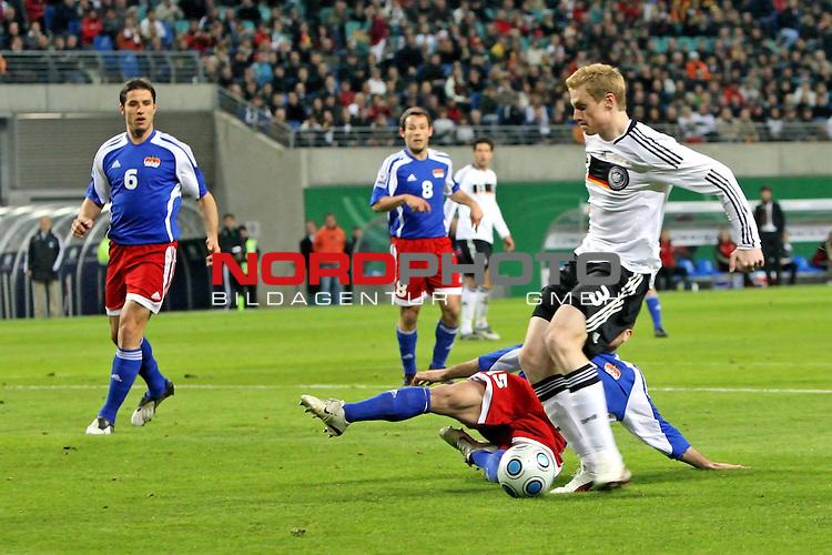 L&permil;nderspiel<br /> WM 2010 Qualifikatonsspiel Qualificationmatch Leipzig 28.03.2009 Zentralstadion Gruppe 4 Group Four <br /> <br /> Deutschland ( GER ) - Liechtenstein ( LIS )<br /> <br /> Marcell Jansen (#3 Hamburger SV HSV Deutsche Nationalmannschaft) erzielt das 2:0.<br /> <br /> Foto &copy; nph (  nordphoto  )<br />  *** Local Caption ***