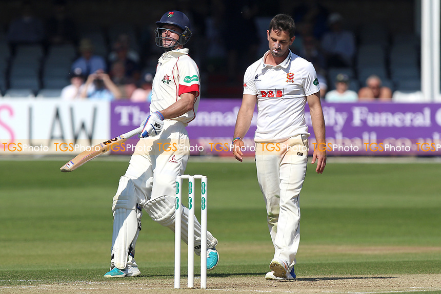 Frustration for Essex skipper Ryan ten Doeschate (R) as Lancashire add to their total during Essex CCC vs Lancashire CCC, Specsavers County Championship Division 1 Cricket at The Cloudfm County Ground on 9th April 2017