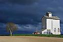 29/04/14 - MASSIF DU SANCY - PUY DE DOME - FRANCE - Polyculture dans le Massif du Sancy - Photo Jerome CHABANNE
