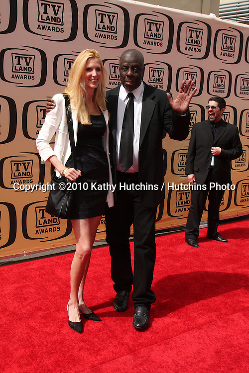 Ann Coulter & Jimmy Walker.arrives at the 2010 TV Land Awards.Sony Studios.Culver City, CA.April 17, 2010.©2010 Kathy Hutchins / Hutchins Photo...