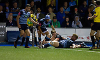 Chris Dean of Edinburgh scores a try during the Guinness PRO14 match between Cardiff Blues and Edinburgh Rugby at BT Sport Cardiff Arms Park, Cardiff, Wales on 1 September 2017. Photo by Mark  Hawkins.