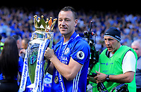 Chelsea defender John Terry (26) lifts the Premier League Trophy during the Premier League match between Chelsea and Sunderland at Stamford Bridge on May 21st 2017 in London, England. <br /> Festeggiamenti Chelsea vittoria Premier League <br /> Foto Leila Cocker/PhcImages/Panoramic/Insidefoto