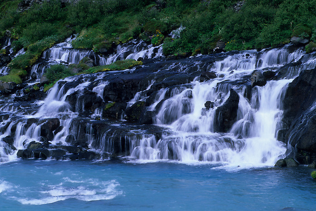 ICELAND, NORTHWESTERN INTERIOR, HRAUNFOSSAR, LAVA WATERFALL