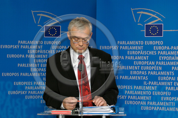 BRUSSELS - BELGIUM - 27 SEPTEMBER 2004 -- Vladimir SPIDLA (Vladimír ?pidla), Czech Commisioner designate in charge of Employment, Social Affairs and Equal Opportunities during a press conference after the hearing in the European Parliament.  PHOTO: EUP-IMAGES / JAKUB PERSIN