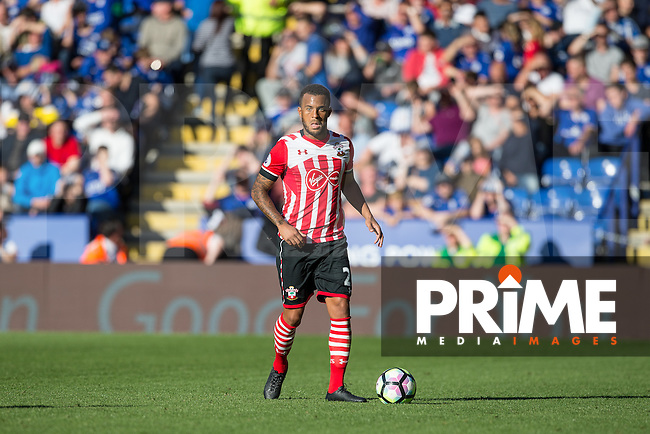 Ryan Bertrand of Southampton looks for options during the Premier League match between Leicester City and Southampton at the King Power Stadium, Leicester, England on 2 October 2016. Photo by Andy Rowland.
