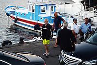 Aurelio de Laurentiis sulla banchina del molo di Napoli Mergellina dopo l'incwendio del suo Yacht