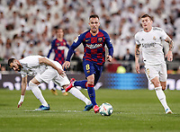 1st March 2020; Estadio Santiago Bernabeu, Madrid, Spain; La Liga Football, Real Madrid versus Club de Futbol Barcelona; Arthur Melo (FC Barcelona)breaks away from Benzema and Kroos of Madrid