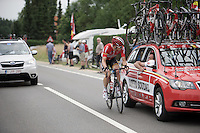 Jurgen Roelandts (BEL/Lotto-Soudal) is in the leading breakaway group and checks back with DS Mario Aerts (BEL/Lotto-Soudal) in the teamcar<br /> <br /> Belgian Championships 2015