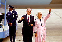 United States Vice President George H.W. Bush and Barbara Bush arrives in New Orleans, Louisiana for the 1988 Republican National Convention on August 16, 1988.<br /> CAP/MPI/RS<br /> &copy;RS/MPI/Capital Pictures
