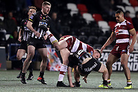 Picture by Paul Greenwood/SWpix.com - 27/04/2018 - Rugby League - Betfred Super League - Widnes Vikings v Wigan Warriors - Select Security Stadium, Widnes, England - Joe Burgess of Wigan Warriors injures his knee tackling Matt Whitley of Widnes Vikings