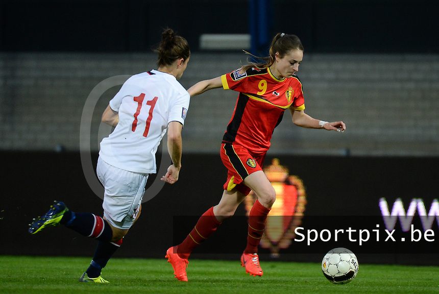 20140410 - LEUVEN , BELGIUM : Belgian Tessa Wullaert (9) pictured during the female soccer match between Belgium and Norway, on the seventh matchday in group 5 of the UEFA qualifying round to the FIFA Women World Cup in Canada 2015 at Stadion Den Dreef , Leuven . Thursday 10th April 2014 . PHOTO DAVID CATRY
