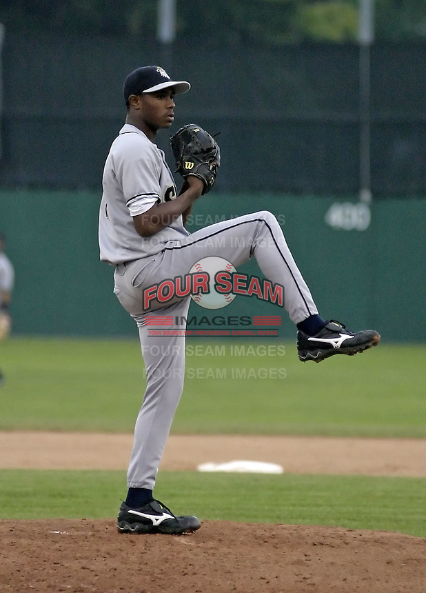 July 26, 2004:  Pitcher Tony Sipp of the Mahoning Valley Scrappers, Short-Season Low-A NY-Penn League affiliate of the Cleveland Indians, during a game at Dwyer Stadium in Batavia, NY.  Photo by:  Mike Janes/Four Seam Images