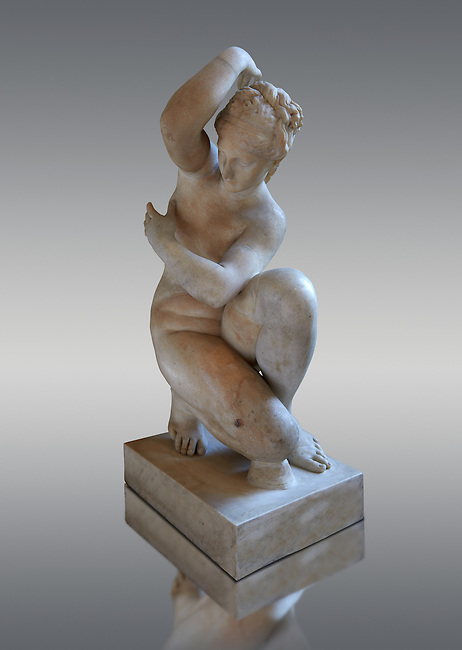 Crouching Aphrodite (Venus). 2nd Century Imperial Roman Marble Statue from Italy. Louvre Museum, Paris. Cat No MR 371 