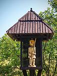 Skansen w Pstrążnej - figura św. Floriana, Muzeum Kultury Ludowej Pogórza Sudeckiego, Kudowa-Zdrój, Polska<br /> Open-air ethnographic museum in Pstrążna - figure of St Florian, Museum of the Folk Culture of Sudeten Foothills, Kudowa-Zdrój, Poland
