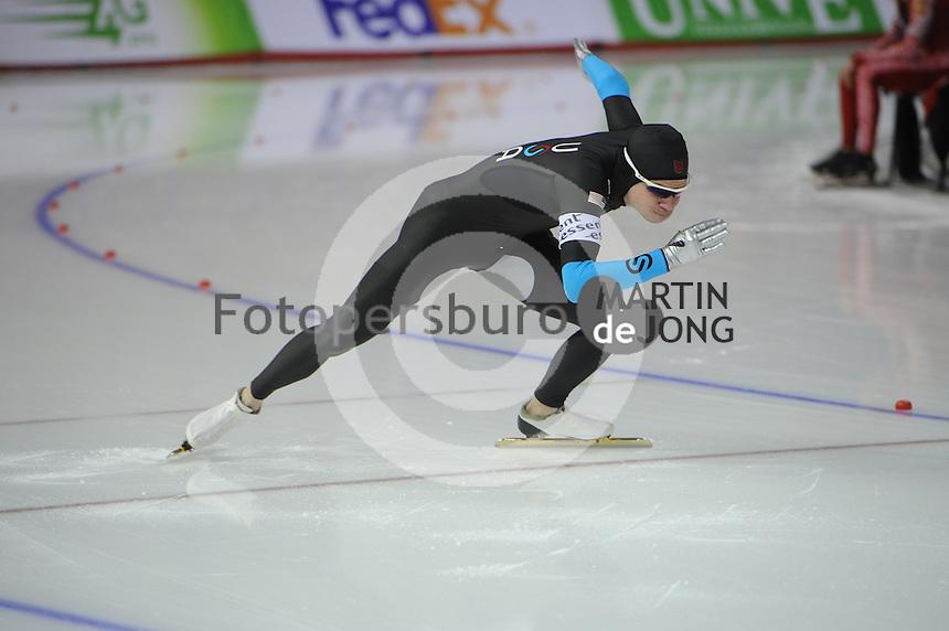 SCHAATSEN: CALGARY: Olympic Oval, 08-11-2013, Essent ISU World Cup, 500m, Tucker Fredricks (USA), ©foto Martin de Jong