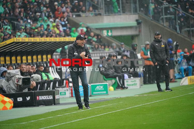 06.10.2019, Borussia Park , Moenchengladbach, GER, 1. FBL,  Borussia Moenchengladbach vs. FC Augsburg,<br />  <br /> DFL regulations prohibit any use of photographs as image sequences and/or quasi-video<br /> <br /> im Bild / picture shows: <br /> Martin Schmidt Cheftrainer / Headcoach (FC Augsburg),  sauer <br /> <br /> Foto © nordphoto / Meuter
