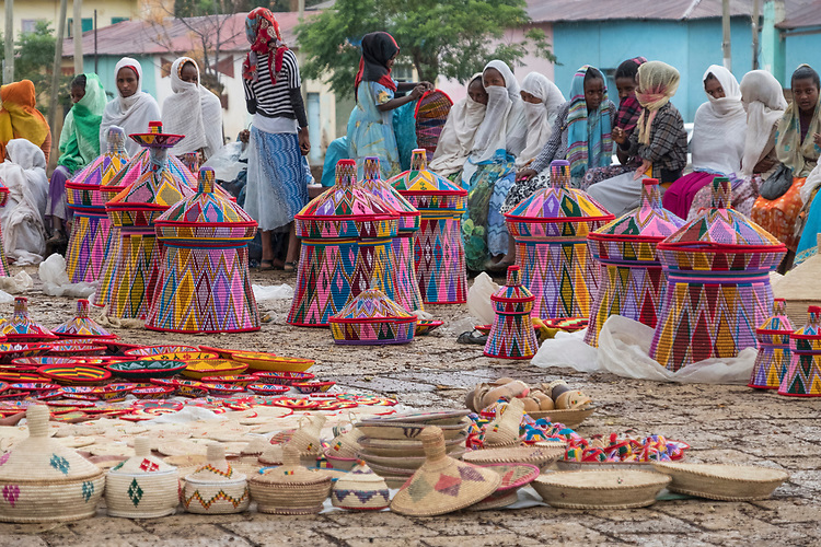 Just a few blocks from Axum's city center is the open air handicraft market with its brightly colored woven trays, bowls, and containers.