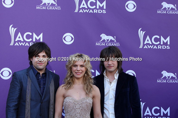 LAS VEGAS - APR 1:  Band Perry arrives at the 2012 Academy of Country Music Awards at MGM Grand Garden Arena on April 1, 2010 in Las Vegas, NV.
