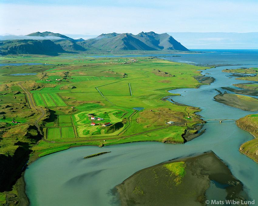 Hvitárvellir séð til suðurs, Borgarbyggð áður Andakílshreppur / Hvitarvellir viewing south. Borgarbyggd former Andakilshreppur.