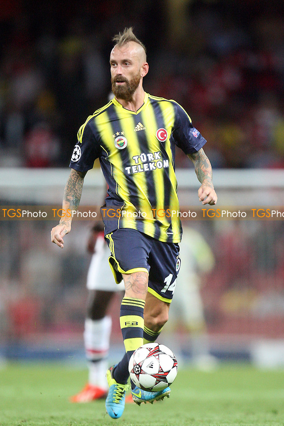 Raul Meireles of Fenerbahce SK - Arsenal vs Fenebahce SK at the Emirates Stadium - 27/08/13 - MANDATORY CREDIT: Dave Simpson/TGSPHOTO - Self billing applies where appropriate - 0845 094 6026 - contact@tgsphoto.co.uk - NO UNPAID USE