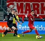 Nederland, Enschede, 19 januari 2013.Eredivisie.Seizoen 2012-2013.FC Twente-RKC Waalwijk.Nacer Chadli (r.) van FC Twente en Jeff Stans (l.) van RKC Waalwijk strijden om de bal.
