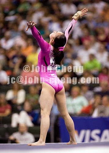 8/19/06 -- Photo by John Cheng -- VISA Championships Women Jr - Corrie Lothrop (Hill's Gymnastics)