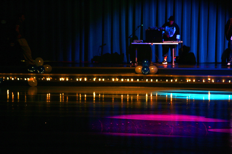 February 1, 2008; Santa Cruz, CA, USA; A female DJ stands on stage in front of an empty dance floor in Santa Cruz, CA. Photo by: Phillip Carter