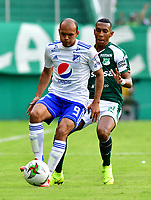 PALMIRA-COLOMBIA, 03-03-2019: Anderson Mojica de Deportivo Cali disputa el balón con Juan Pérez de Millonarios, durante partido de la fecha 8 entre Deportivo Cali y Millonarios, por la Liga Aguila I 2019, jugado en el estadio Deportivo Cali (Palmaseca) en la ciudad de Palmira. / Anderson Mojica of Deportivo Cali vies for the ball with Juan Perez of Millonarios, during a match of the 8th date between Deportivo Cali and Millonarios, for the Liga Aguila I 2019, at the Deportivo Cali (Palmaseca) stadium in Palmira city. Photo: VizzorImage  / Nelson Ríos / Cont.