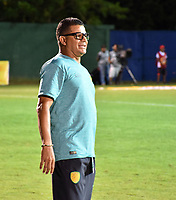 MONTERIA - COLOMBIA, 06-08-2018: Juan Carlos Alvarez, técnico del Leones, gesticula durante partido entre Jaguares de Córdoba y Leones F.C. por la fecha 3 de la Liga Águila II 2018 jugado en el estadio Municipal de Montería. / Juan Carlos Alvarez, coach of Leones, gestures during the match between Jaguares of Cordoba and Leones F.C. for the date 3 of the Liga Aguila II 2018 at the Municipal de Monteria Stadium in Monteria city. Photo: VizzorImage / Andres Felipe Lopez / Cont