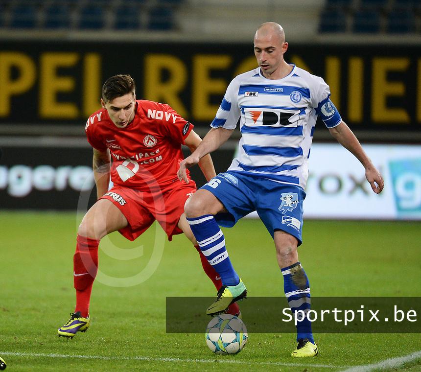 AA Gent - KV Kortrijk : Christophe Lepoint aan de bal voor Zarko Tomasevic (links)<br /> foto VDB / Bart Vandenbroucke
