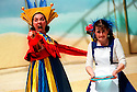 SHARON WHITE,ROSALIND PAUL IN ALICE,AN ADVENTURE IN WONDERLAND  OPENS REGENTS PARK THEATRE 2/8/00 PIC GERAINT LEWIS