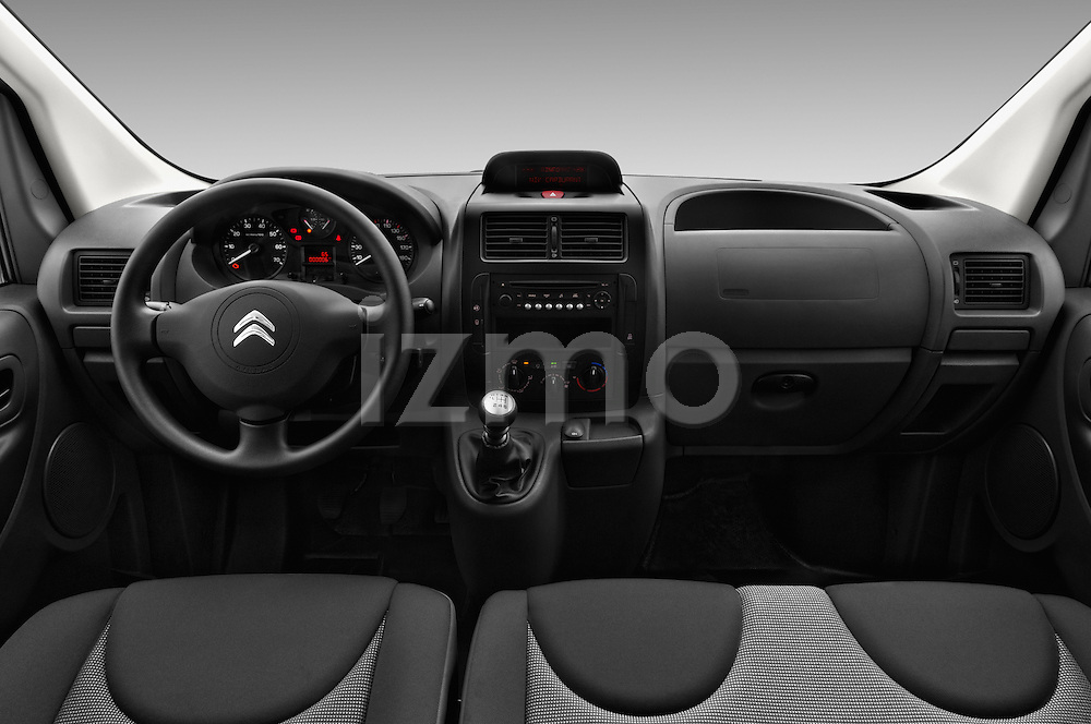 Stock photo of straight dashboard view of 2015 Citroen JUMPY-MULTISPACE Attraction-l2h1 5 Door Combi Dashboard