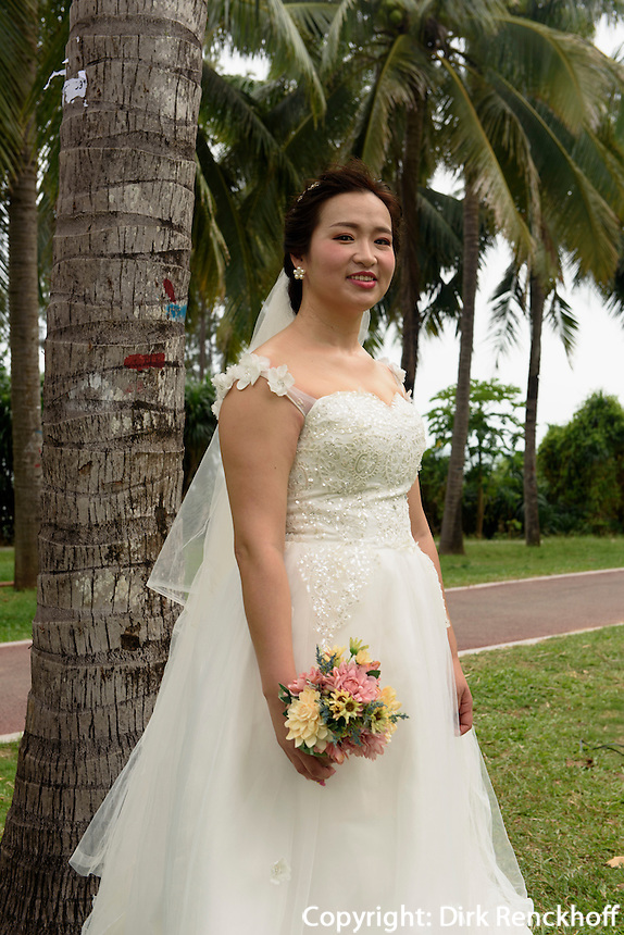 Braut in Sanya auf der Insel Hainan, China<br /> bride  in Sanya,  Hainan island, China