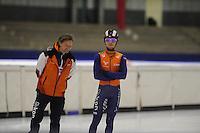 SCHAATSEN: HEERENVEEN: 24-10-2014, IJsstadion Thialf, Topsporttraining, Jeroen Otter (bondscoach Shorttrack), Sjinkie Knegt, ©foto Martin de Jong