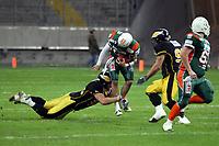 Simon Sommerfeld (Kiel, Runningback) wird gestoppt<br /> German Bowl XXXI Berlin Adler vs. Kiel Baltic Hurricanes, Commerzbank Arena *** Local Caption *** Foto ist honorarpflichtig! zzgl. gesetzl. MwSt. Auf Anfrage in hoeherer Qualitaet/Aufloesung. Belegexemplar an: Marc Schueler, Alte Weinstrasse 1, 61352 Bad Homburg, Tel. +49 (0) 151 11 65 49 88, www.gameday-mediaservices.de. Email: marc.schueler@gameday-mediaservices.de, Bankverbindung: Volksbank Bergstrasse, Kto.: 151297, BLZ: 50960101