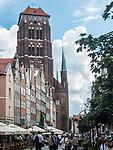 Gdańsk, (woj. pomorskie) 16.08.2014. Bazylika konkatedralna Wniebowzięcia Najświętszej Maryi Panny w Gdańsku, kościół Mariacki –  widok od strony ulicy piwnej.